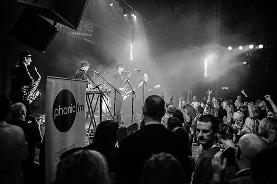Phonic FM gig image